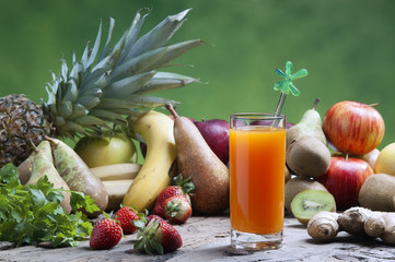 freshly squeezed mixed fruit juices
