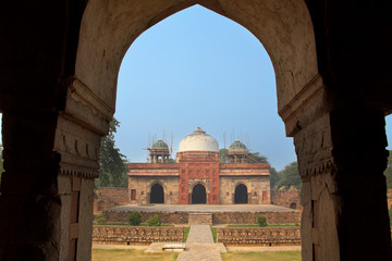 Isa Khan Niyazi mosque seen through arch, Humayun's Tomb complex