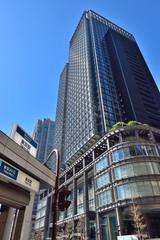 東京駅丸の内口の新丸ビル