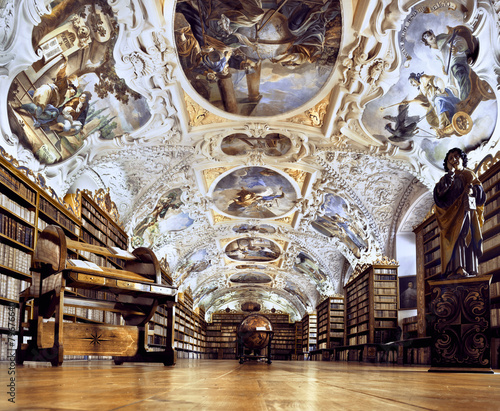 In de dag Praag Strahov Monastery library interior, space