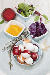 Easter eggs dyeing. Dyeing easter eggs natural way