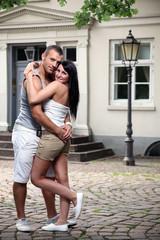 Paar vor Villa