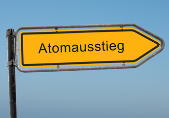 Strassenschild 38 - Atomausstieg