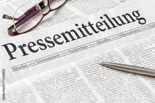 Leinwanddruck Bild Zeitung mit der Überschrift Pressemitteilung