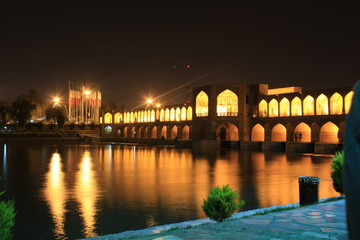 sio-se-pol bridge in esfahan, iran, evening