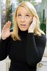 Frau findet Telefonat langweilig