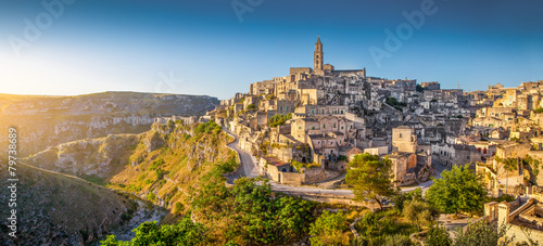 Aluminium Oude gebouw Ancient town of Matera at sunrise, Basilicata, Italy