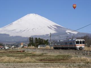 富士山と列車(御殿場線)
