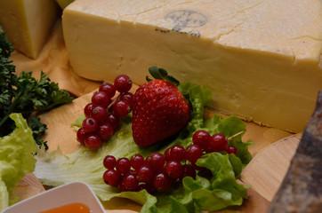 fragole ribes formaggio