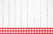 Holz Hintergrund mit rot weiß kariertem Rahmen
