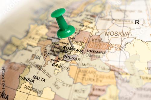 Plexiglas Oost Europa Location Romania. Green pin on the map.