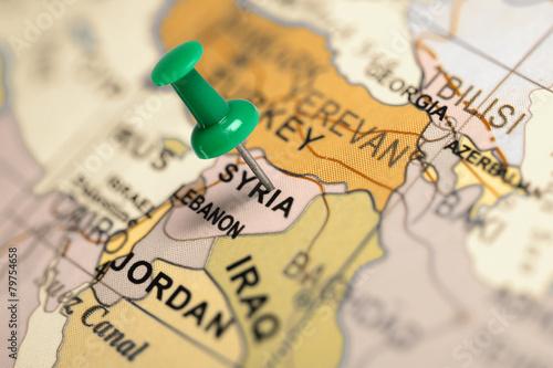 Plexiglas Midden Oosten Location Syria. Green pin on the map.