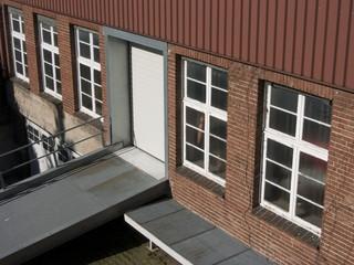 Alte Fabrikfassade aus Ziegelstein in Bielefeld in Ostwestfalen