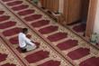 Leinwanddruck Bild - Young African Guy Praying