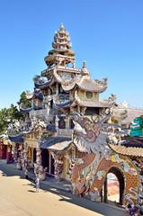 Пагода Линь Фуок (Linh Phuoc) в Далате, Вьетнам