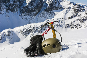 Winter mountaineer equipment