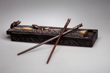 chopsticks cartridge-lizard and frog