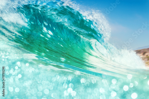 Poster Water Breaking Wave with Bokeh