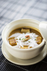 prawn soup with croutons and cream