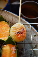 grilled sticky rice with egg on gridiron