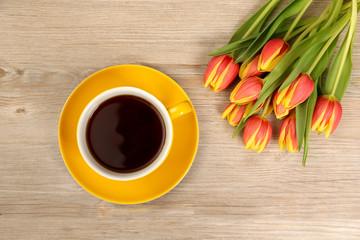 Kaffeetasse mit Blumenstrauss