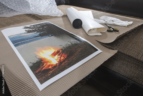 Packaging of printed wall art picture - 79848052