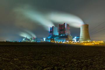 Braunkohlekraftwerk Neurath bei nacht