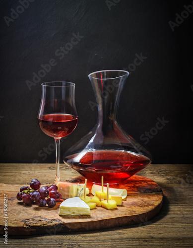Verkostung von Rotwein und Käse