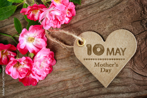 Poster May 10th Mothers Day heart shaped card with roses