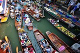 BANGKOK,THAILAND - JANUARY 30 : Damonen saduak floating market