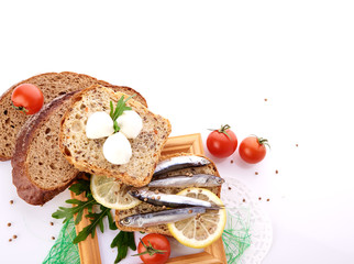sardines on slice bread