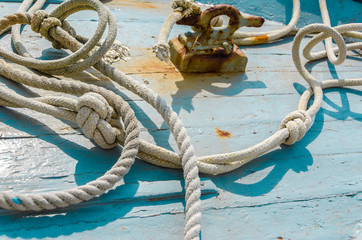 Nodi e corde marinari