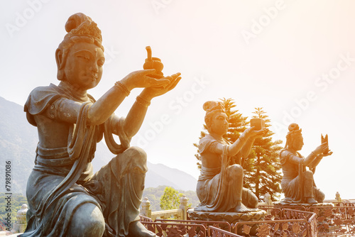 Buddhist statues praising and making offerings to the Tian Tan B - 79891086