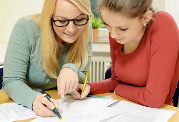 Schülerhilfe durch Nachhilfe-Lehrer