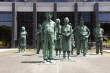 """Nationalbank mit dem Denkmal für die Arbeiter """"Los Presentes"""""""