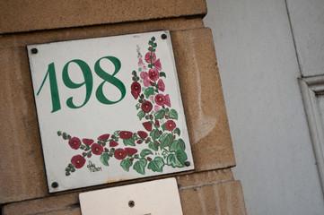 entrée privée avec numéro 198