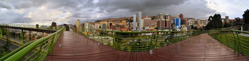 Walkway Urbano Central Park in La Paz