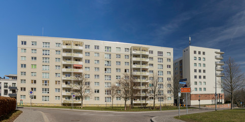 Fassade Neubau 03685 Pano