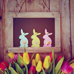 Osterkarte - Blumen mit Tafel und Hasen