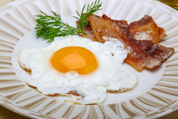 Breakfast - egg with bacon