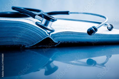 Books treatment - 79930881