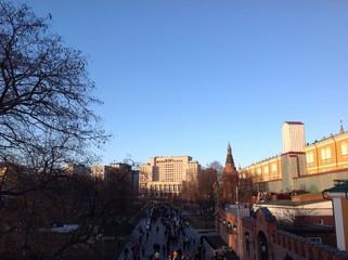 вид с троицкого моста московского кремля