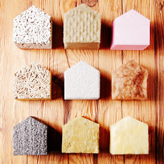 Model Houses with Various insulation on the Table