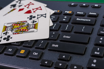 Keyboord and four kings (online gambling)