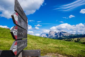 Passeggiata in montagna sulle Dolomiti