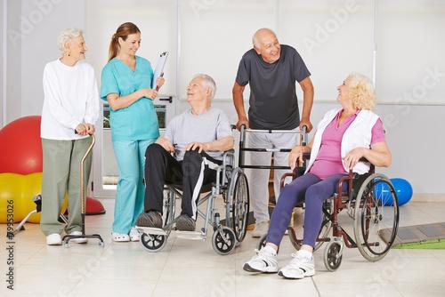 Fototapeta Gruppe Senioren mit und ohne Behinderung