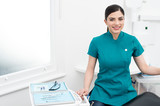 I am here to help dentist doctor - 79960470