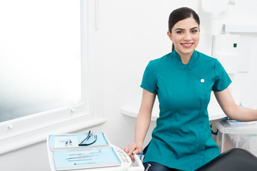 I am here to help dentist doctor