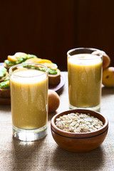 Mango-oatmeal milkshake