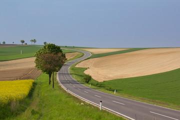 Einsame Straße in Österreich
